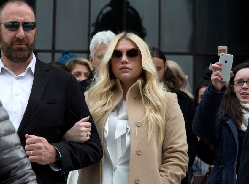 rs_1024x759-160219094555-1024-2kesha-supreme-court.216